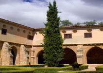 P2: Día 2: Visita al Paque Natural y Monasterio de Piedra