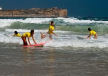 P5:Paquete Aventura - Día 3: Día en la playa, visita de Peniche, curso de surf y skimmimg.