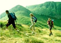 P4- Día1: Juego de presentación, Ruta de senderismo.