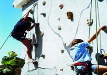 P4 (CA)- Día 1: Viaje y actividades en el albergue