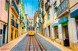 Un tranvia en Lisboa Portugal