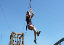 P2- Día 2: Tirolina, escalada, taller y juego de orientación.