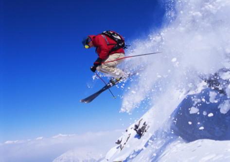 chico esquiando en  Grandvalira