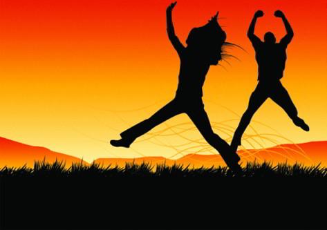 Niños saltando de ilusión al tener Viaje de Estudios gratis