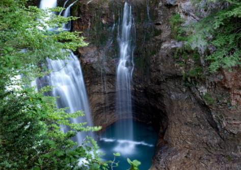 cascada en el Pirineo Aragonés