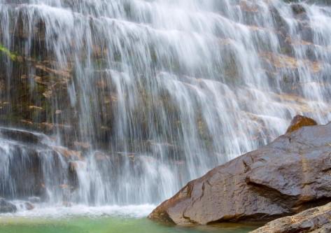 gran cascada en el pirineo aragones