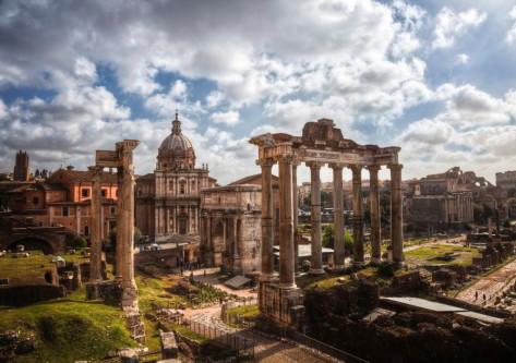Monumento en el viaje a Roma