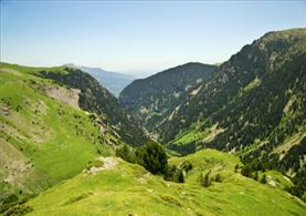 Vistas de un valle del Pirineo Catalán