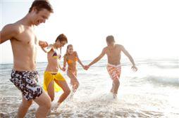 Chicos en Viaje playa de Benidorm
