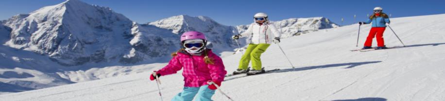 Chicos esquiando en Grand valira